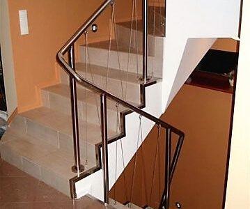 balustrada-nierdzewna-z-wypełnieniem-z-linek