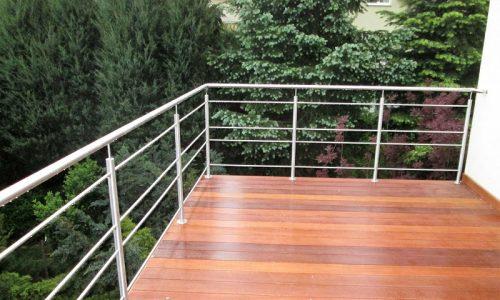 balustrada-ze-stali-nierdzewnej-na-tarasie
