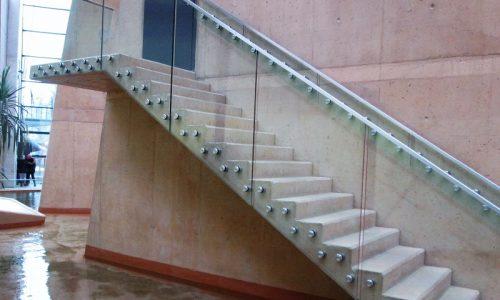 balustrada-ze-szkla-na-rotulach