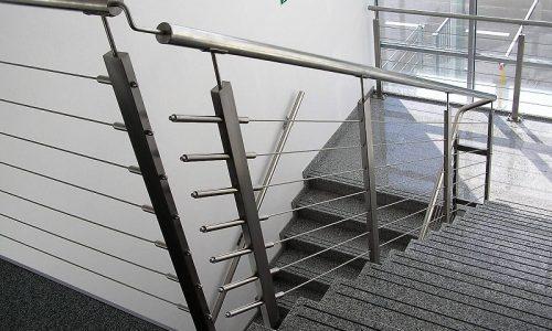 balustrady-ze-stali-nierdzewnej-kobamet