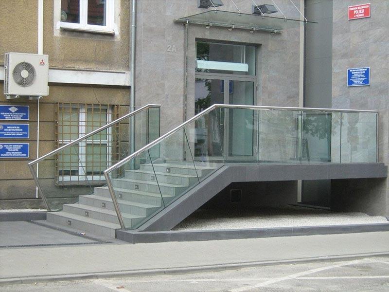 Komisariat Jeżyce Balustrada szklana