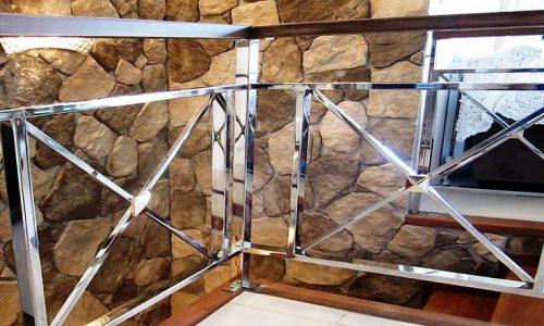 balustrada-z-polerowanej-stali-nierdzewnej