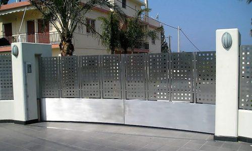 brama-ogrodzenie-ze-stali-nierdzewnej
