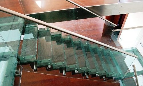 schody-ze-szkla-balustrada-szklo