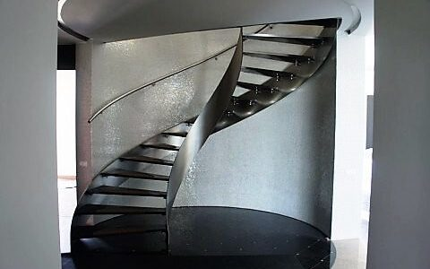 skrecone-schody-ze-stali-nierdzewnej